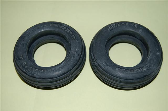 82mm Tyre Jet1A (Jet Arrows) (2-pr)